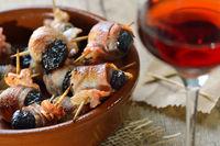 Spanische Tapas mit Portwein