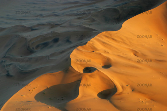 Flug ueber die Duenen der Namib, Namibwueste, Namib Wueste, Namibia, Afrika, flight above dunes of Namib Desert, Africa