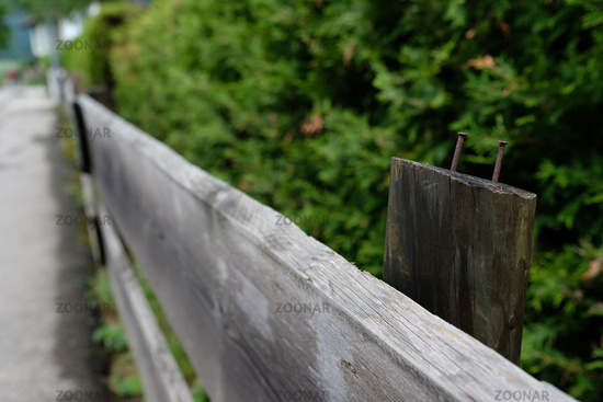 Foto Grauer Zaun Aus Holz Mit Rostigen Nageln Bild 11093865