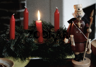 erzgebirgischer weihnachtsschmuck, erster Advent