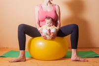 Baby exercises on the fitball