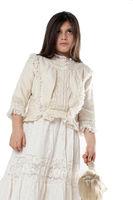Junges Mädchen in einem historischem Kleid mit antiker Puppe