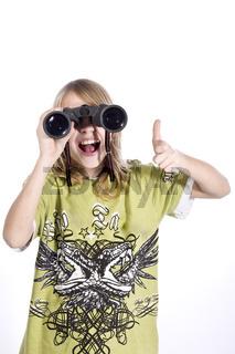 Junge mit Fernglas wd543