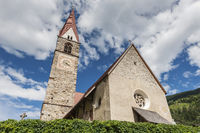 Kirche in St Pankraz perspektivisch horizontal