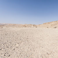 Desolate infinity in the Middle East
