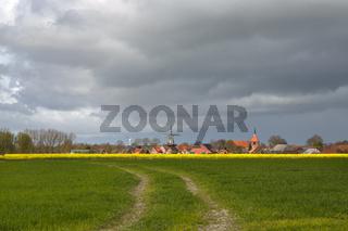 Wolken über Rysum in Ostfriesland