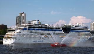 Aida Sol, Impressionen der Auslaufparade vom 828. Hamburger Hafengeburtstag 2017; Impressions of the 828th Birthday of the Port of Hamburg 2017, Germany