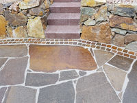 Gartenweg, Natursteinplatten, Porphyr