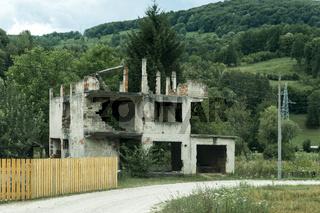 Zerstörtes Haus aus dem Bosnienkrieg, Bosnien