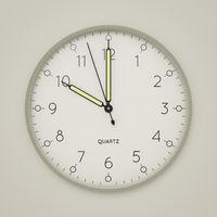 a clock shows 10 o'clock