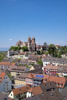 Ausblick vom Eckhartsberg auf die Altstadt von Breisach mit dem romanischen St. Stephansmünster