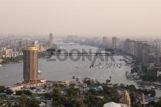 Blick von Kairo Tower Fernsehturm auf Kairo und Nil