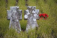 Steinkreuze auf Soldatenfriedhof