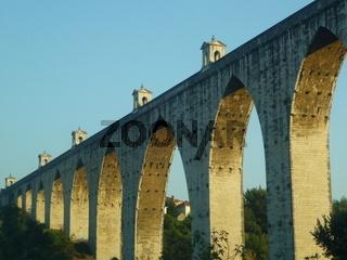 historisches Viadukt in Lissabon, Portugal