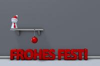 spielfigur mit weihnachtsmannmütze auf regal und christbaumkugel - 3d rendering