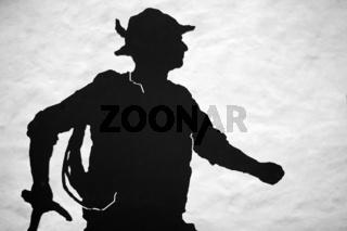 Schattenbild eines Bergsteigers / shadow picture