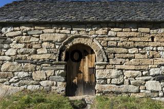 Romanische Kirche im Valle de Boi in den Spanischen Pyrenäen