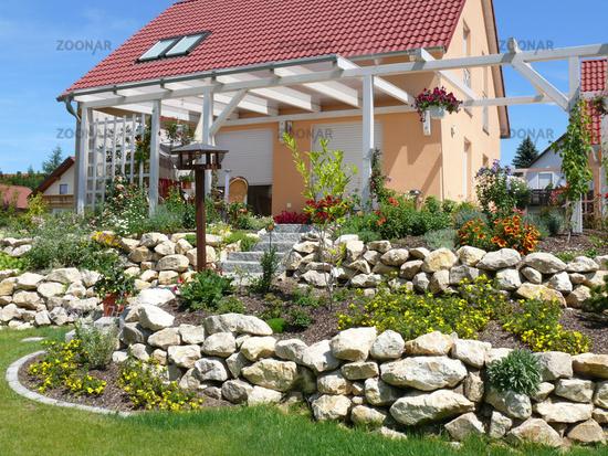 Foto Terrasse am Hang mit Pergola Bild #1037282