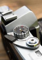 Vintage Manual Focus 35mm SLR Camera Wind Lever Viewfinder