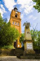Gefallenendenkmal vor Stadtpfarrkirche Buckow (Märkische Schweiz), Brandenburg, Deutschland