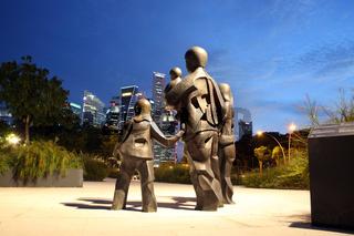 Skulptur Happy Family of Five vor dem Eaplanade