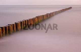 Buhne in der Ostsee, Fischland, Fischland-Darß-Zingst, Mecklenburg-Vorpommern, Deutschland, Europa