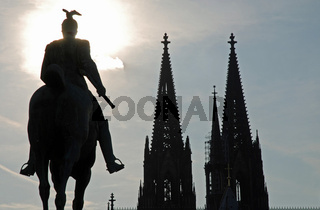 Kaiser Wilhelm II, Hohenzollernbruecke, Koelner Dom, Koeln, Deutschland / Emperor Wilhelm II, Hohenzollernbruecke, Cologne cathedral, Cologne, Germany