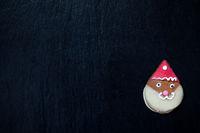 Lebkuchen Weihnachtsmann auf schwarz mit Platz für Texte