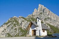 Kapelle auf dem Falzaregopass