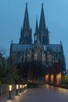 Kölner Dom in den frühen Morgenstunden, Köln, Deutschland
