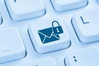 Verschlüsselte sichere E-Mail senden Internet blau Computer Tastatur