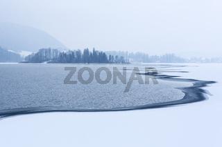 Der Schliersee in Bayern im Winter