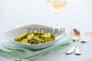 Linguine pasta with pesto genovese