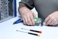 Computermontage mit Festplatte