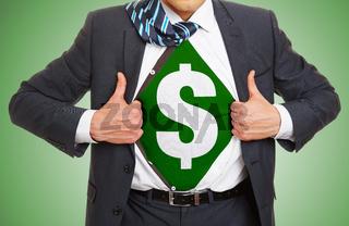 Mann zeigt Dollar Zeichen unter dem Hemd