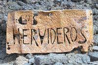 HERVIDEROS Höhlen