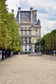 Les Fils de Cain, Paris