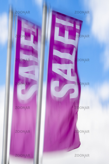 Flaggen mit der Aufschrift Sale!