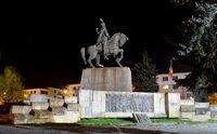 cluj napoca statue night