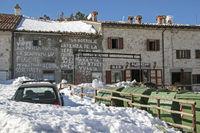 Schneereiches Castelluccio in den Monti Sibillini