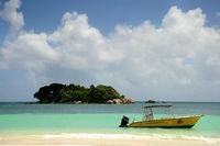 Seychellen kleine Insel vor Praslin