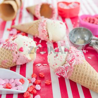 Vanilleeis mit Zuckerstreuseln