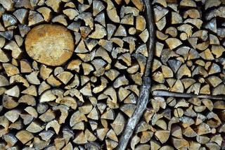 Holzstapel; Brennholzstapel;
