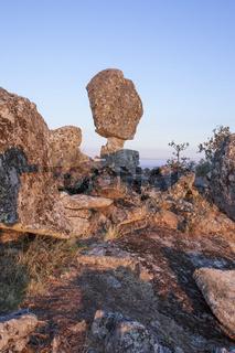 Montanchez shifting stone or El Cancho que se menea