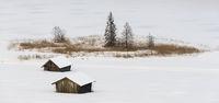 Alm am See in Bayern mit Schnee im Winter