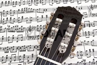 Gitarre mit Notenblatt/ guitar