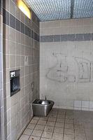 öffentliche Toilette.jpg