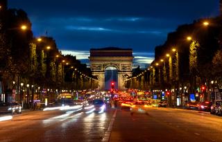 Arc de Triompthe in evening
