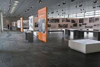 Innenbereich der Ausstellung Topographie des Terrors auf dem Gelaende der ehemaligen SS Zentrale, Berlin, Deutschland | Interior of theTopography of Terror, exhibition on the grounds of the former SS headquarters, Berlin, Germany