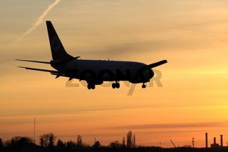 Flugzeug Im Sonnenuntergang